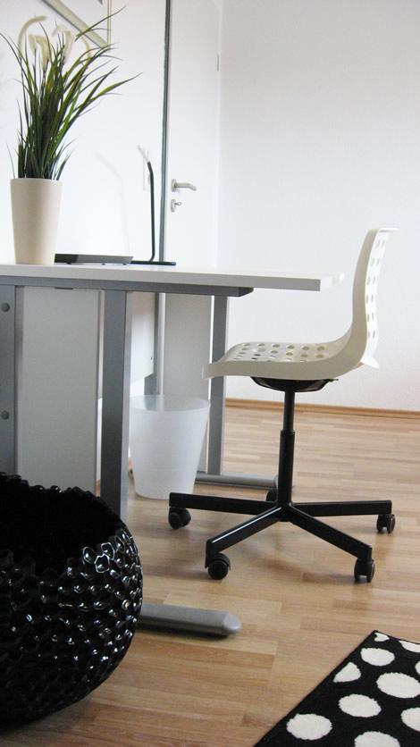 wohnen auf zeit in bielefeld wohnungen heeper strasse potthoff. Black Bedroom Furniture Sets. Home Design Ideas